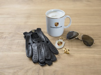 Accessories from Porsche Driver's Selection.